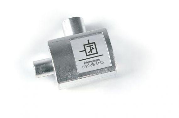 Atenuador Regulable de 0 a 20 dB c/paso DC (Conexión CEI)