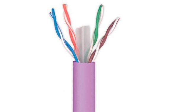 Cable UTP CAT6 Cu libre de halógeno con cubierta PVC para interior en color violeta al corte